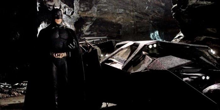 Кадр из трилогии Бэтмен: Начало (2005)