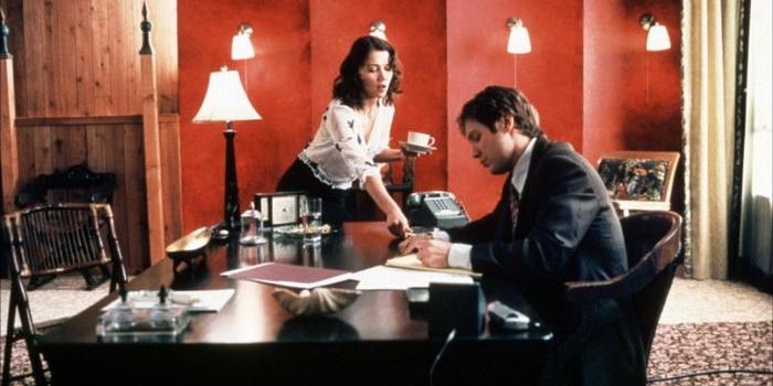 Кадр из фильма Секретарша (2002)