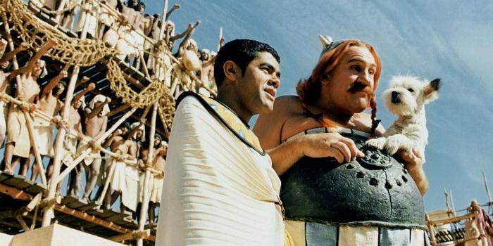 Кадр из фильма Астерикс и Обеликс: Миссия Клеопатра (2001)