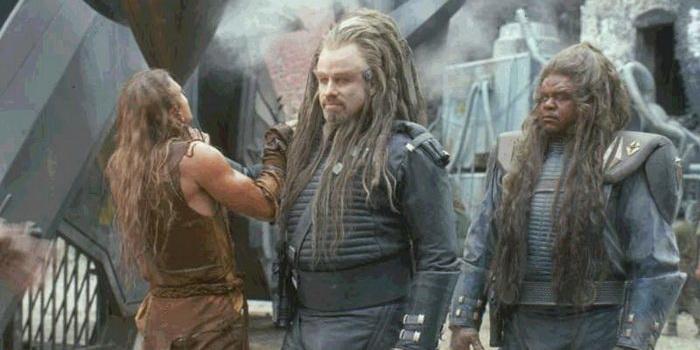 Персонажи из кинофильма Поле битвы: Земля (2000)