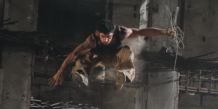 Постер из кинофильма 13-й район (2004)