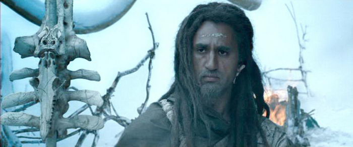 Персонаж из фильма 10 000 лет до н.э.