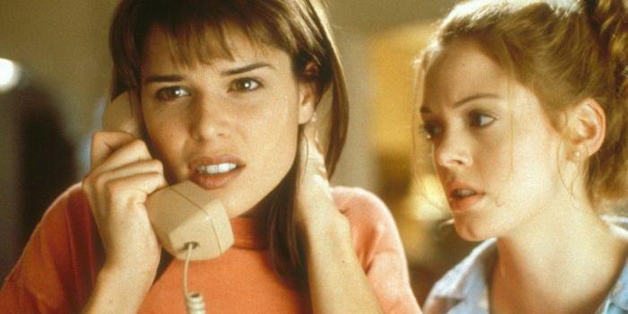 Кадр из ужасов Крик (1996)