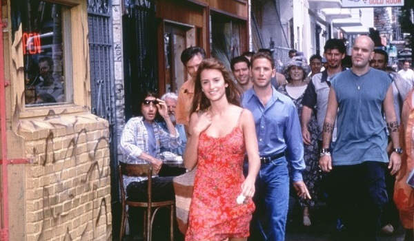 Персонажи из фильма Женщина сверху (2000)