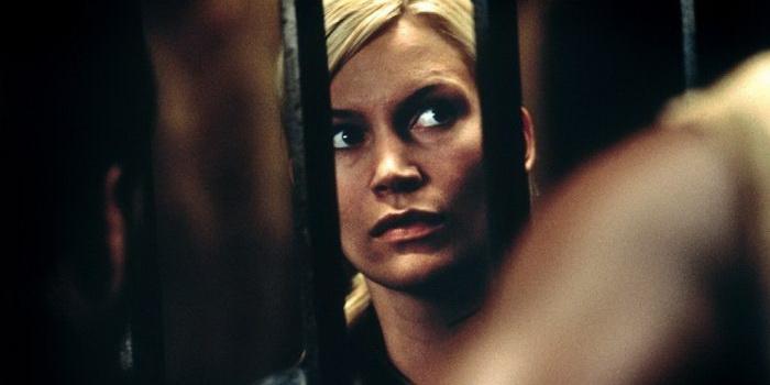Кадр из триллера Призраки Марса(2001)