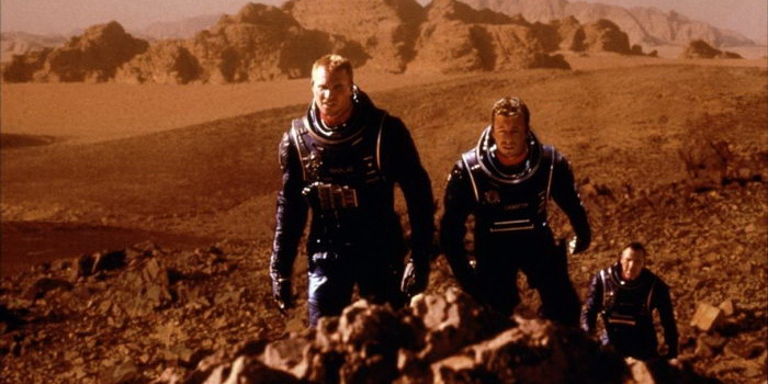 Сцена из Красной планеты(2000)
