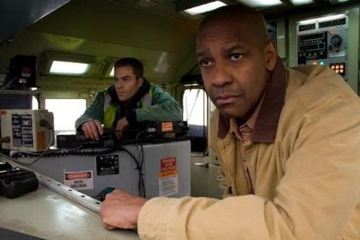 Персонажи из фильма Неуправляемый (2010)