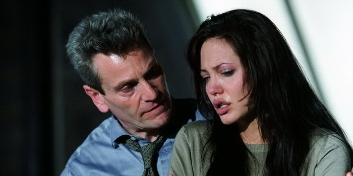Сцена из фильма Забирая жизни (2004)