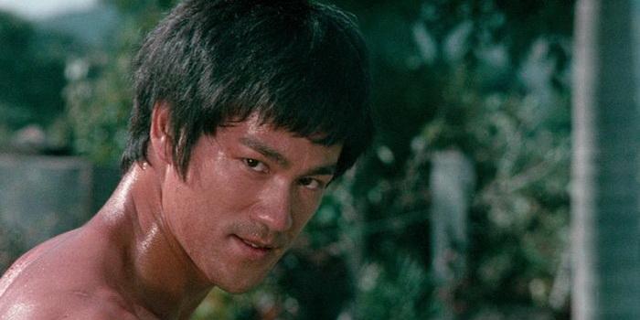 Сцена из фильма Кулаки Брюса Ли (1978)