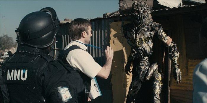 Персонажи из фильма Район №9 (2009)