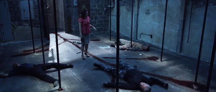 Сцена из фильма Девять в списке мертвых (2010)