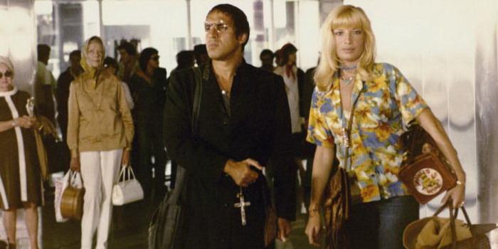 Сцена из фильма Другая половина неба (1977)