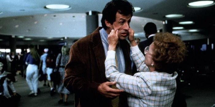 Кадр из фильма Стой! Или моя мама будет стрелять (1993)