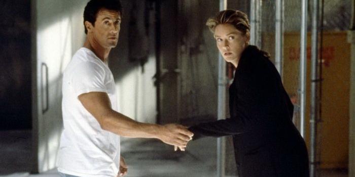 Кадр из фильма Специалист (1994)