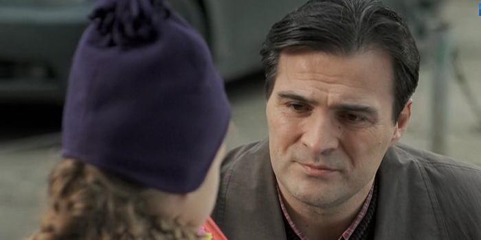 Кадр из сериала Один на всех(2012)