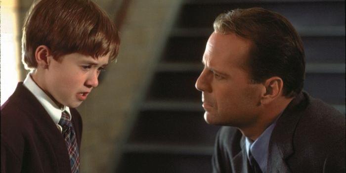 Кадр из фильма Шестое чувство(2000)