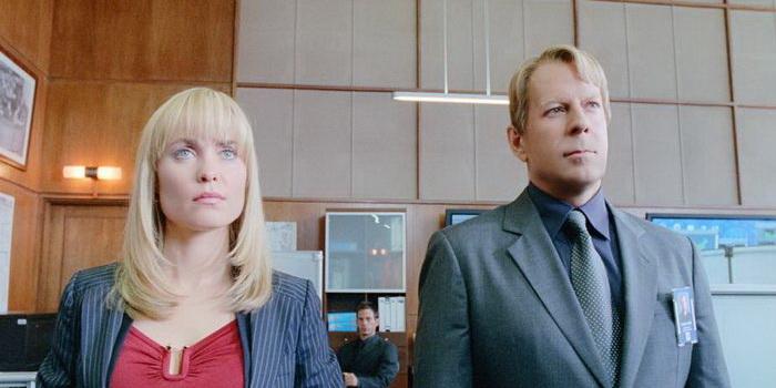 Сцена из фильма Суррогаты(2009)