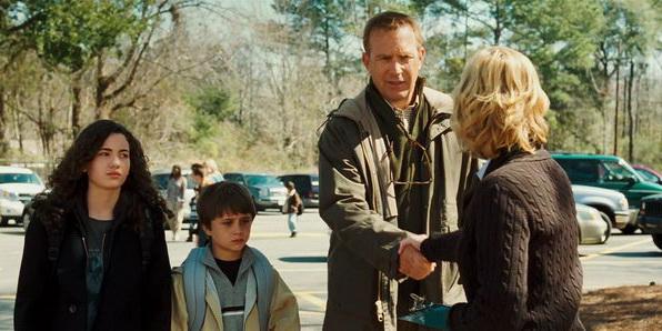 Сцена из фильма Проклятая (2009)