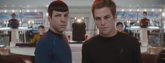 Сцена из фильма Звездный путь (2009)