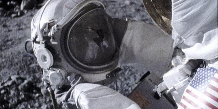 кадр из фильма Аполлон 18 (2011)