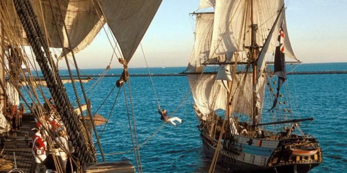 сцена из фильма Пираты Карибского моря: Проклятие Черной жемчужины (2003)