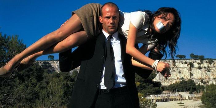 сцена из фильма Перевозчик (2002)