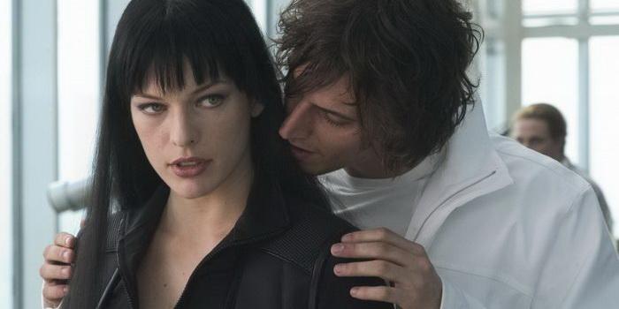 сцена из фильма Ультрафиолет (2006)