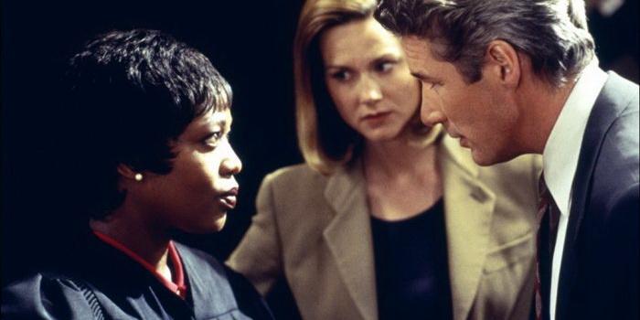 кадр из фильма Первобытный страх (1996)