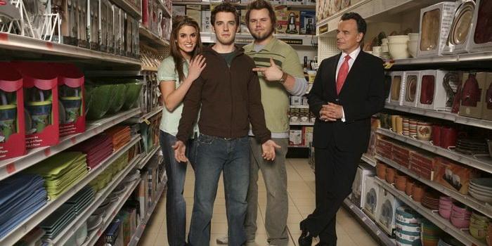 Фото к сериалу На службе у дьявола (2007)