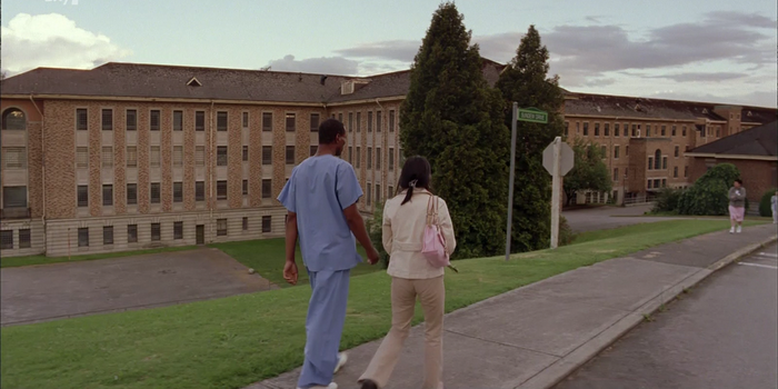 Сцена из сериала 4400 (2004)
