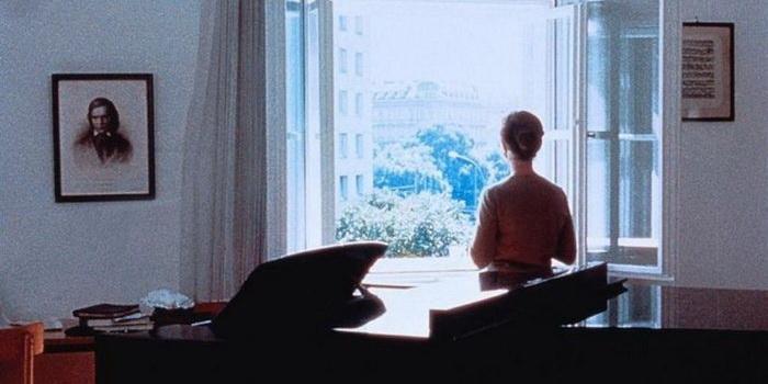 Сцена из фильма Пианистка (2001)