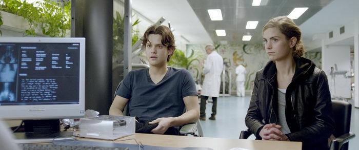 Персонажи из фильма Андроид (2013)