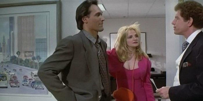 Сцена из комедии Подмена (1991)