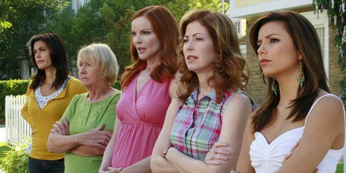 Кадр из сериала Отчаянные домохозяйки (2004)