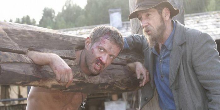 Сцена из фильма Охота на пиранью (2006)