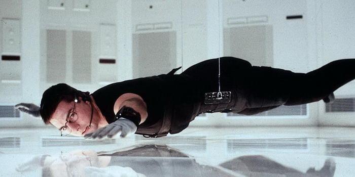 Сцена из фильма Миссия: Невыполнима(1996)