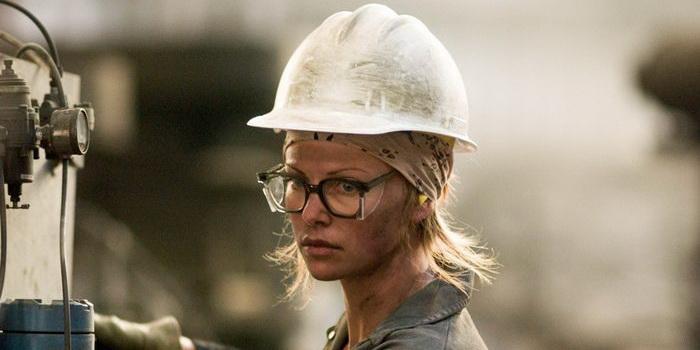 Персонаж из фильма Северная страна (2005)