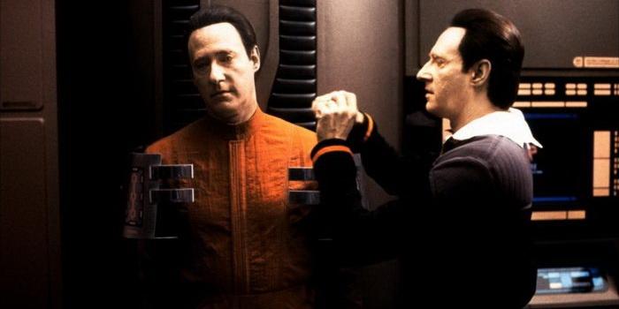 Сцена из фильма Звездный путь 10: Возмездие (2002)