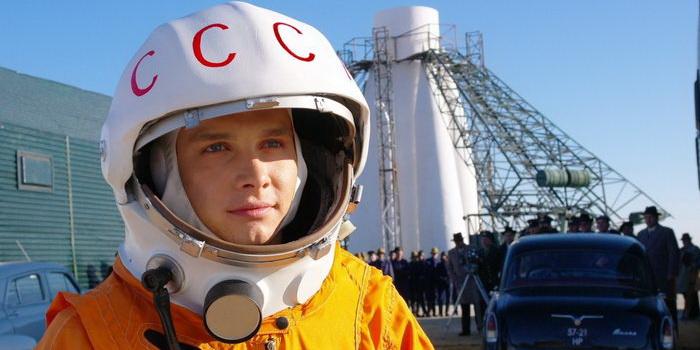 кадр из фильма Гагарин. Первый в космосе (2013)
