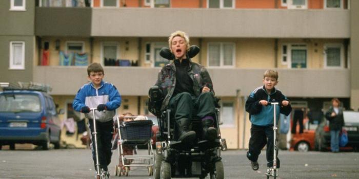 сцена из фильма …А в душе я танцую (2004)