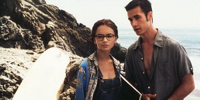 персонажи из фильма Это все она (1998)