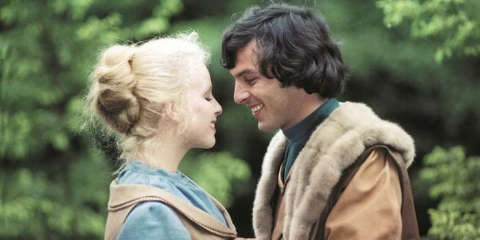 герои из фильма Беляночка и Розочка (1979)