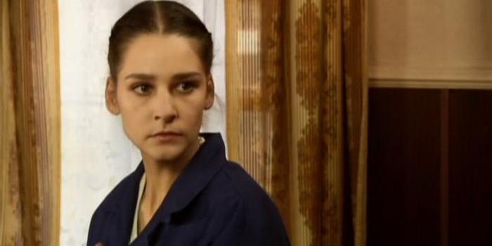 сцена из фильма Сердце не камень (2012)