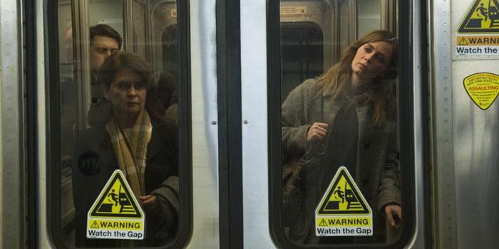 фильм Девушка в поезде (2016)