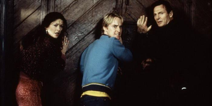 фильм Призрак дома на холме (1999)