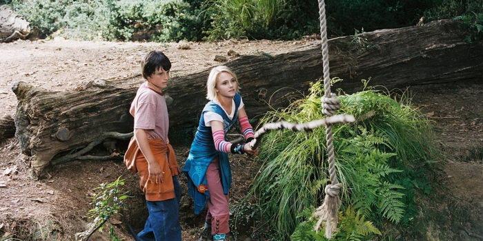 кадр из фильма Мост в Терабитию (2007)