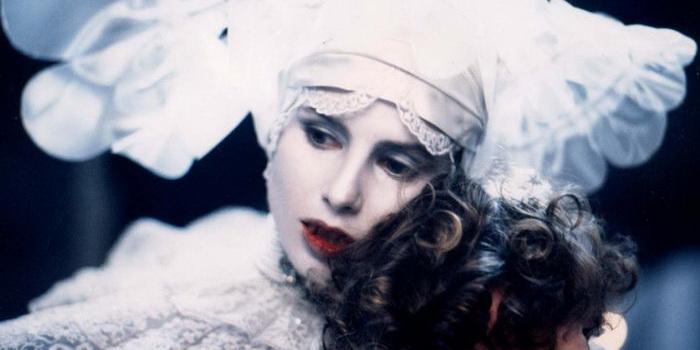 героиня из фильма Дракула (1992)