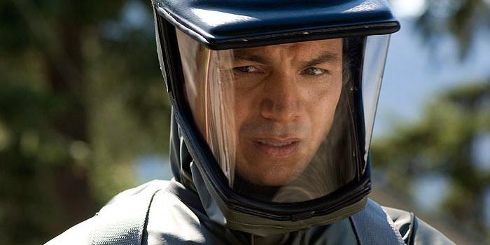 персонаж из фильма Вирус Андромеда (2008)