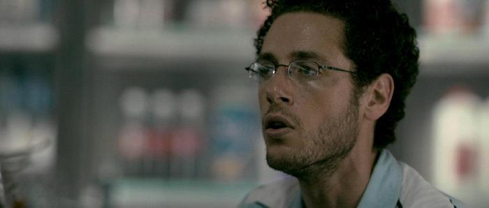 герой из фильма Заноза (2008)