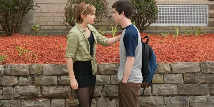 сцена из фильма Хорошо быть тихоней (2012)